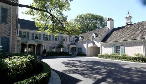 Michigan House Envy Grosse Pointe Farms Mansion Makes Masterful Use Of Light